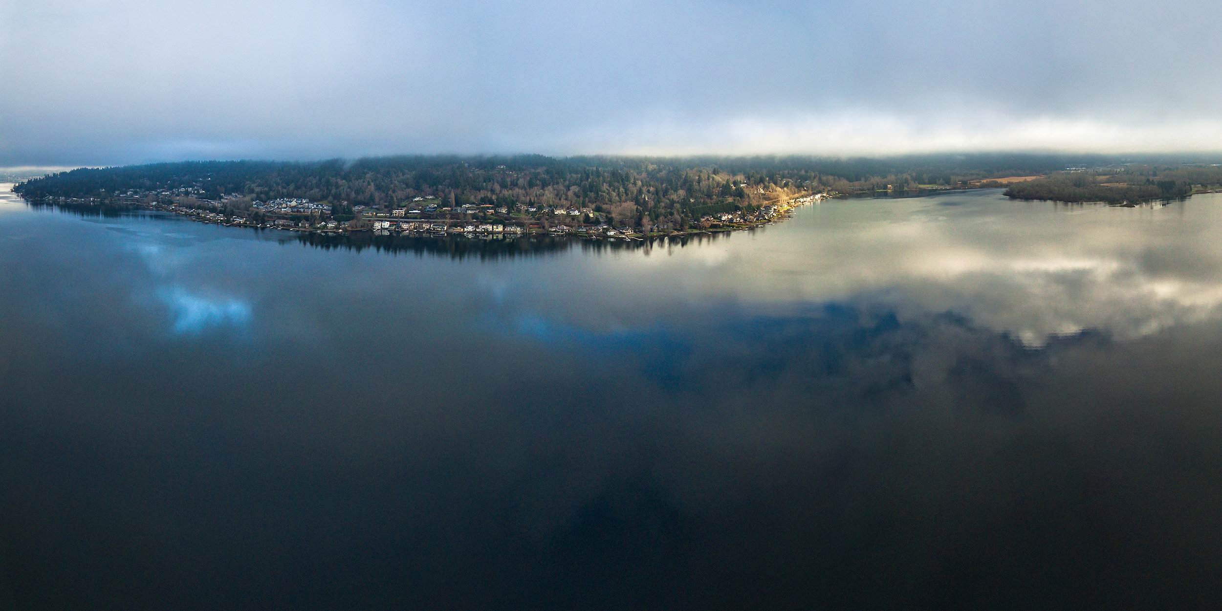 Eric_Krebs_Aerial_2017_Lake_Sammamish_Reflection_2560px.jpg