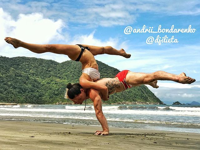 Exploring Brazil upside down with my love @djilieta ❤️ 📍Last week in São Paulo! 🔜Next week we are coming to Rio 🔴🇧🇷For handstand lessons 👉🤸‍♂️📩 ________________  @awaken_gym @insidegym @gymnasticsshoutouts @gymnasticbodies @instagymnastdancers @baristiworkout  @falsegrip @super_athletes @cirquedusoleil @yoga @exerciseguide @workoutroutine @barstarzz @yogachannel @yogapractice @yoga.vids ___________________  #cirquedusoleil  #gymnasticbodies  ___________________ #andriibondarenko #йога #гимнастика #운동 #gymnastics #acroyoga #acrobatics #yoga #yogaeverywhere #yogachallenge #falsegrip #handstand #handbalancing #workoutmotivation #workout_professionals #hkyoga #gymnasticsshoutouts #cirqueway #getbsf #super_athletes #aloyoga #instagram #saopaulo #brazil #rio #thisisyoga