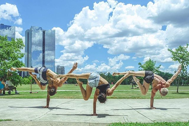 Another great picture from our trio @djilieta @miguel_hand_balance @andrii_bondarenko 🤸♂️🤸♂️🤸♂️ Photo by @miguel_art_photos For handstand classes in Rio 👉📩 _________________  @insidegym @gymnasticsshoutouts @gymnasticbodies @instagymnastdancers @baristiworkout  @falsegrip @super_athletes @cirquedusoleil @yoga @exerciseguide @workoutroutine @barstarzz @yogachannel @yogapractice @yoga.vids ___________________  #cirquedusoleil  #gymnasticbodies  ___________________ #andriibondarenko #йога #гимнастика #운동 #gymnastics #acroyoga #acrobatics #yoga #yogaeverywhere #yogachallenge #falsegrip #handstand #handbalancing #workoutmotivation #workout_professionals #hkyoga #gymnasticsshoutouts #cirqueway #getbsf #super_athletes #rio #riodejaneiro #brazil #friends #passion #thisisyoga #thisismyyoga
