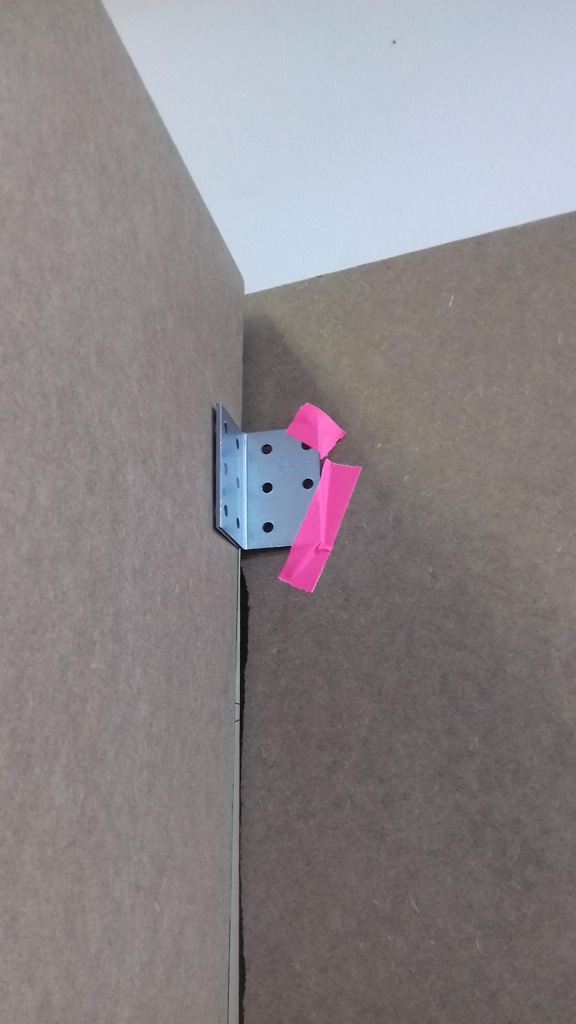Matt's peep-hole box / construction