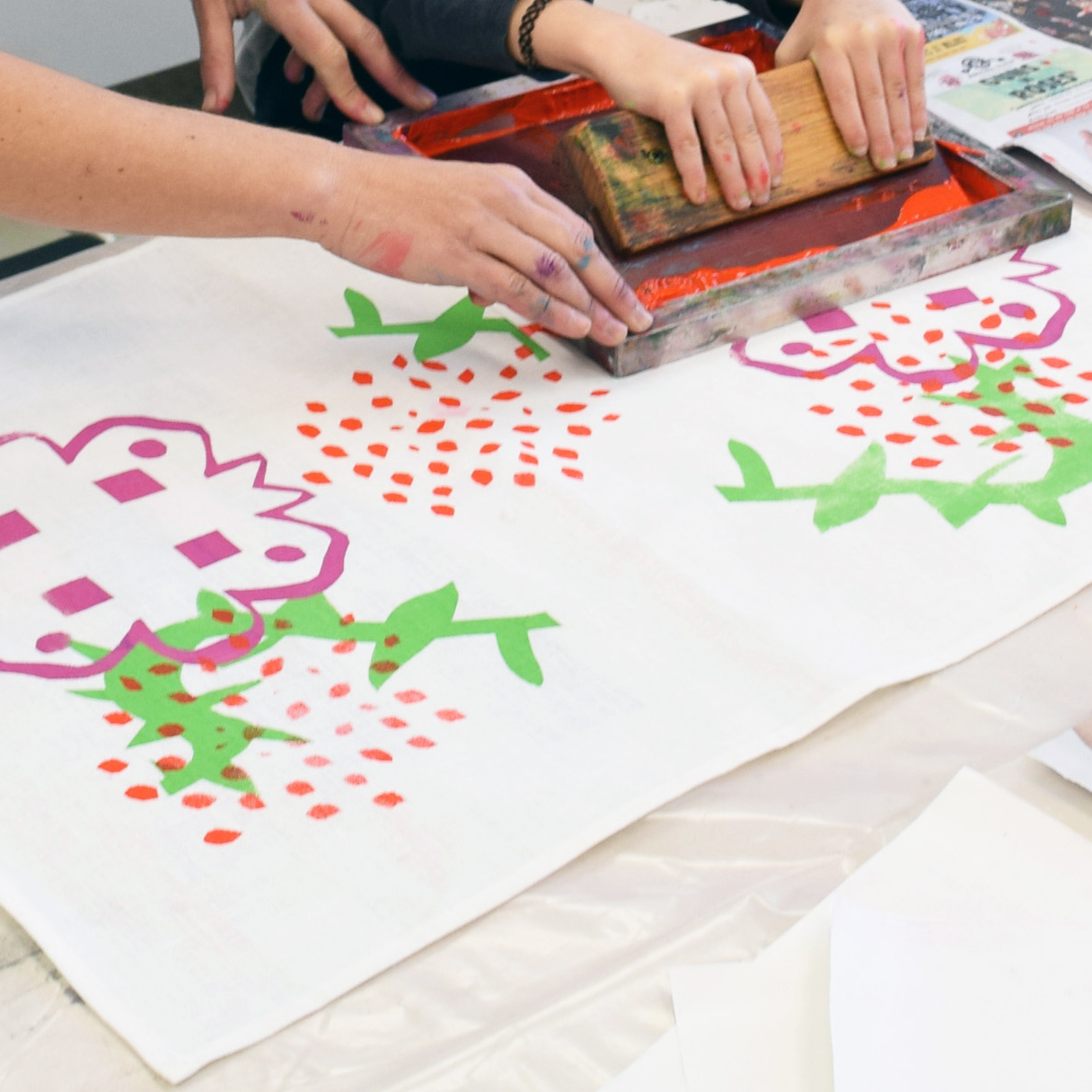 Screen printed Tea Towels - During the Screen print a botanical design on a linen tea towel. Learn the process of screen printing using paper stencils and mono print on acetate to create your own unique design.12pm - 3pmSuitable for 15+ yrs$70 | $63 Members