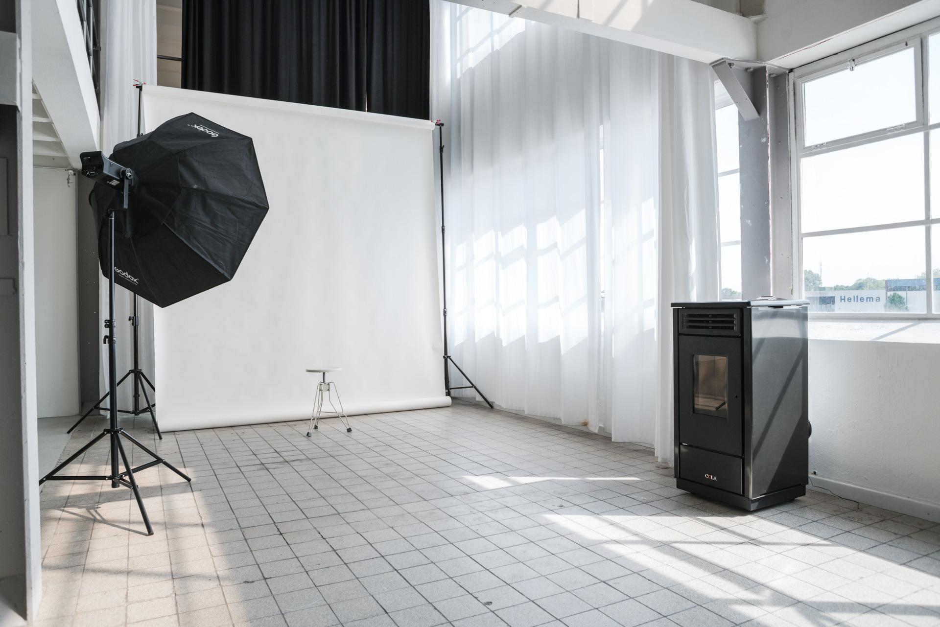 photo/video studio for rent - call for inquiries:+31641827884or+31646432043