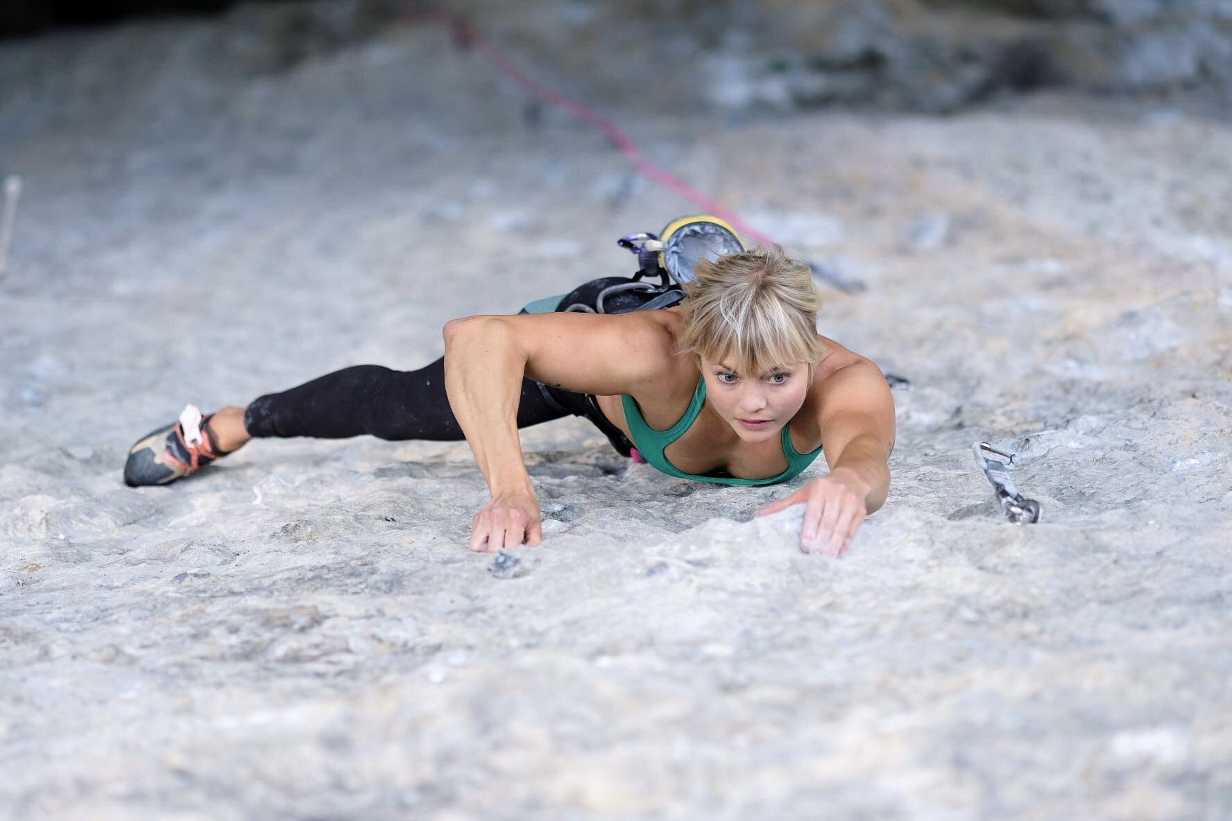Climbing in Voralpsee, picture by Lukas Neugebauer (2019). Stamina camp <3