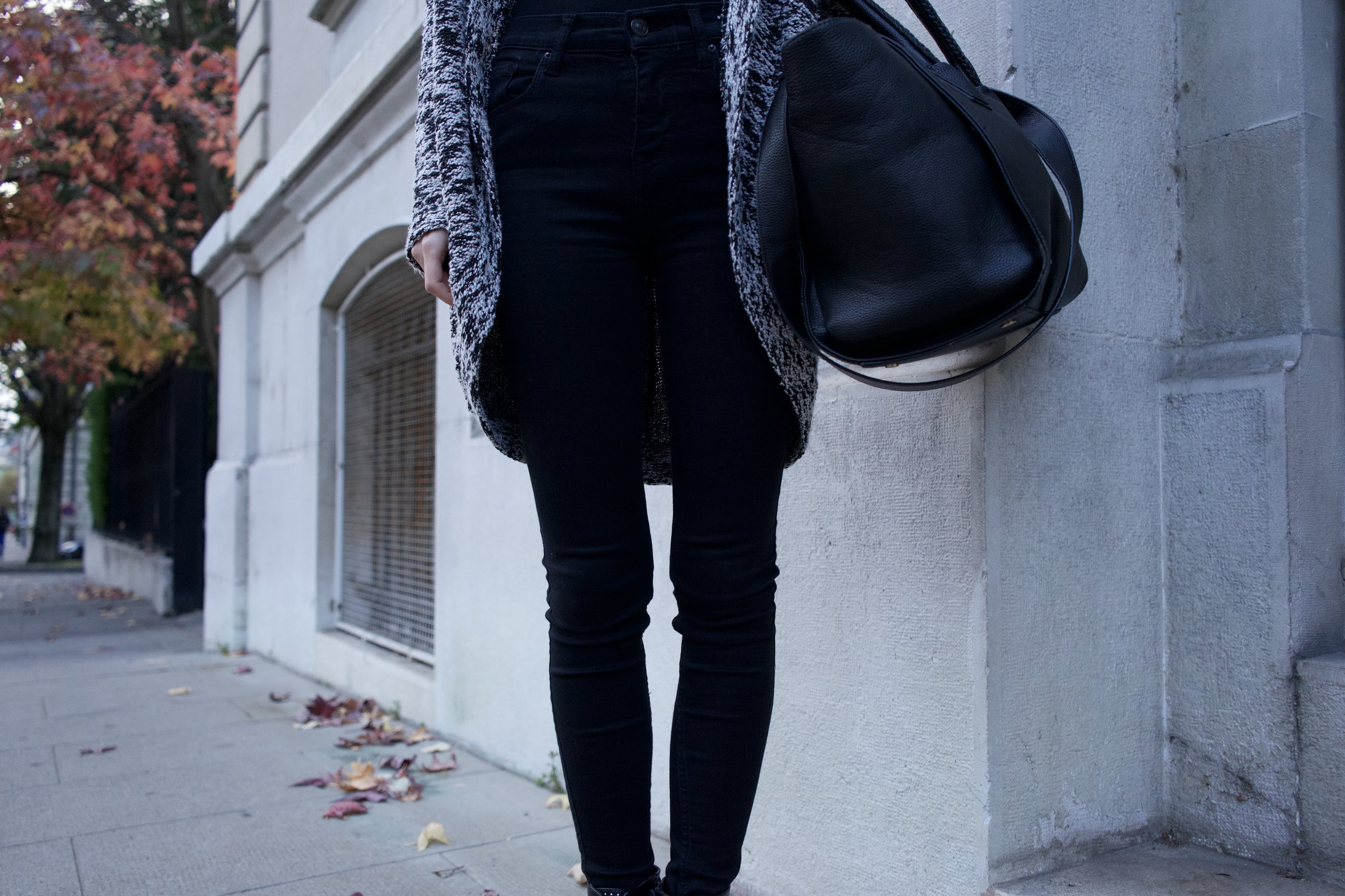 tenue n°4 zoom pantalon .jpg
