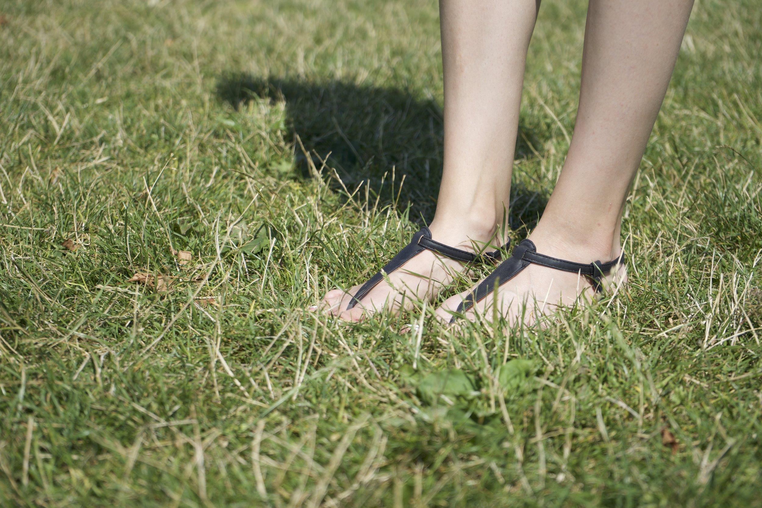 zoom sandales noires.jpg