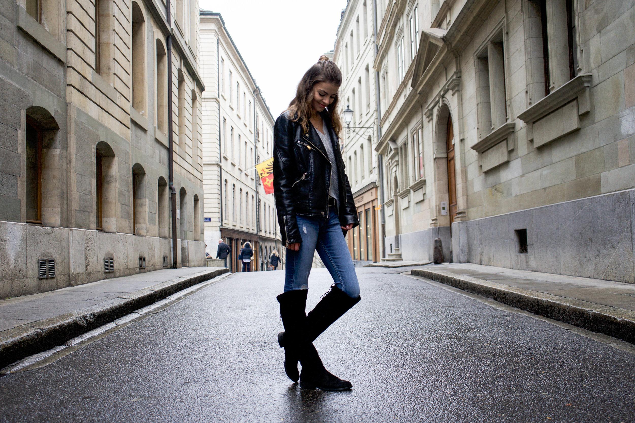 Profil all outfit tête baissée_.jpg