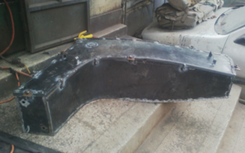 - THE LOCAL METAL FABRICATORS MAKE STEEL MOULDS IN THE SHAPES OF THE BIG PARTS OF THE DHOW