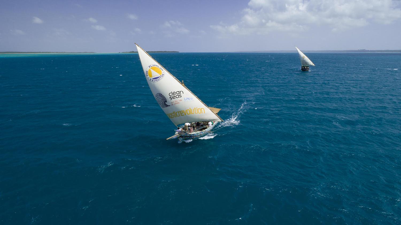flipflopi-sailing-3-1500.jpg