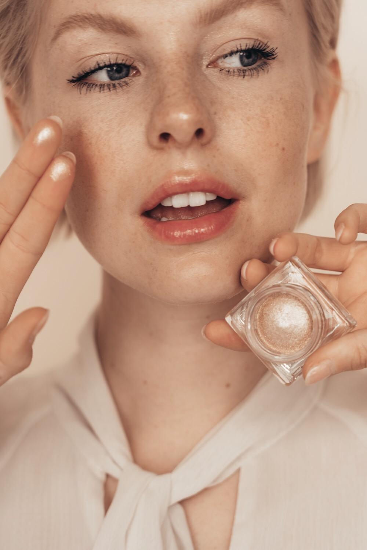 The Story of Shiseido   Aura Dew