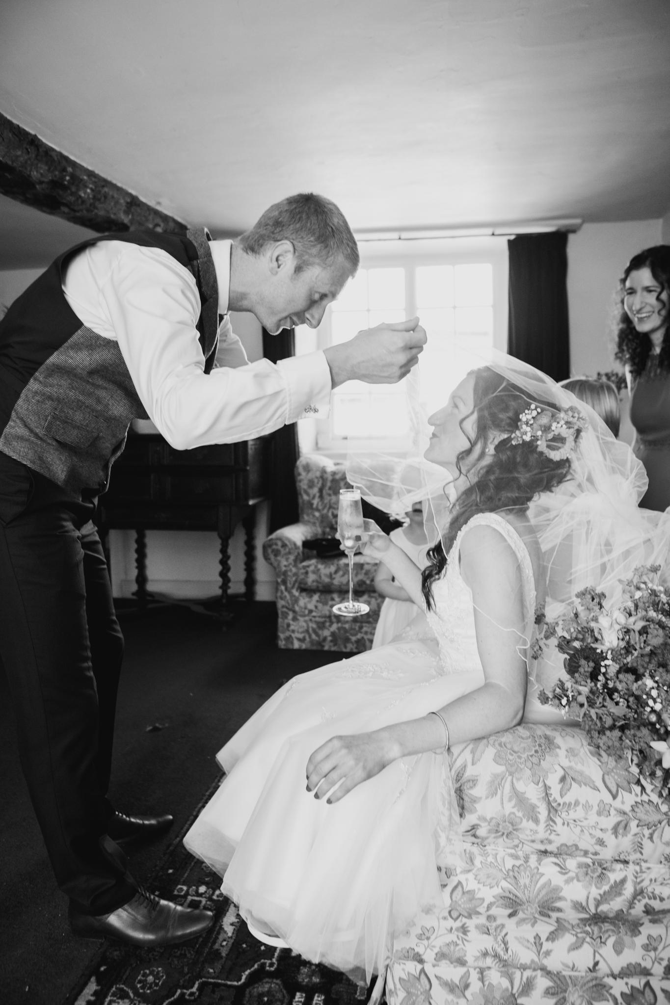 Higher eggbeer farm wedding photographer 007.jpg
