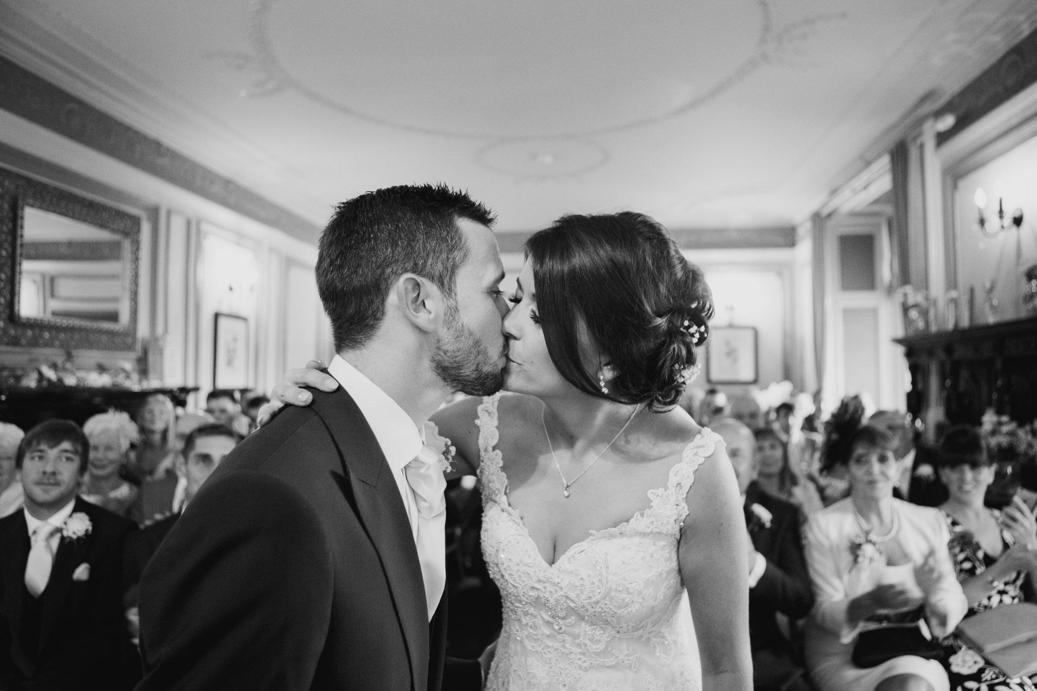 Langdon Court Wedding Photographer 009.jpg