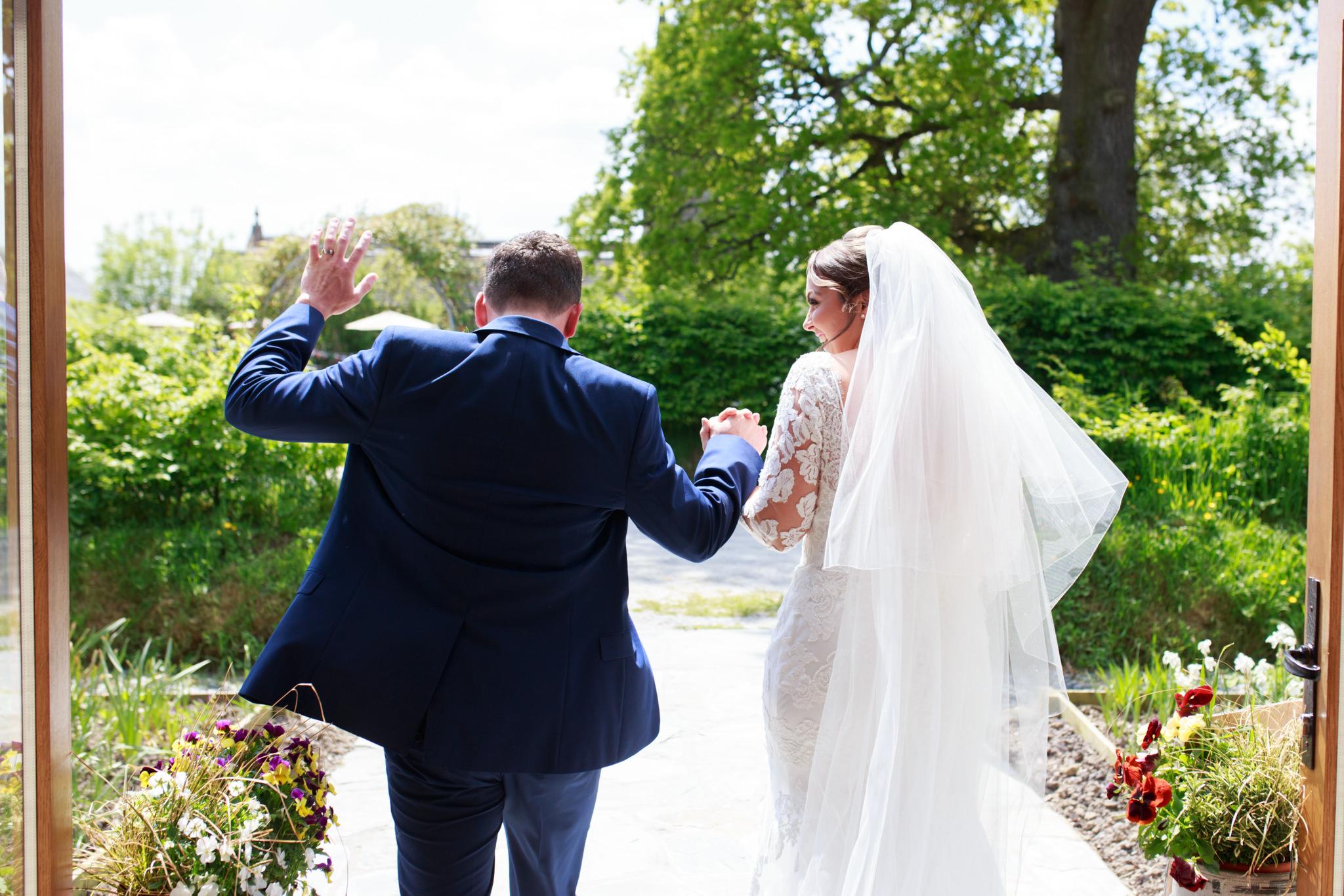 The Oak Barn Wedding Photographer 013_.jpg