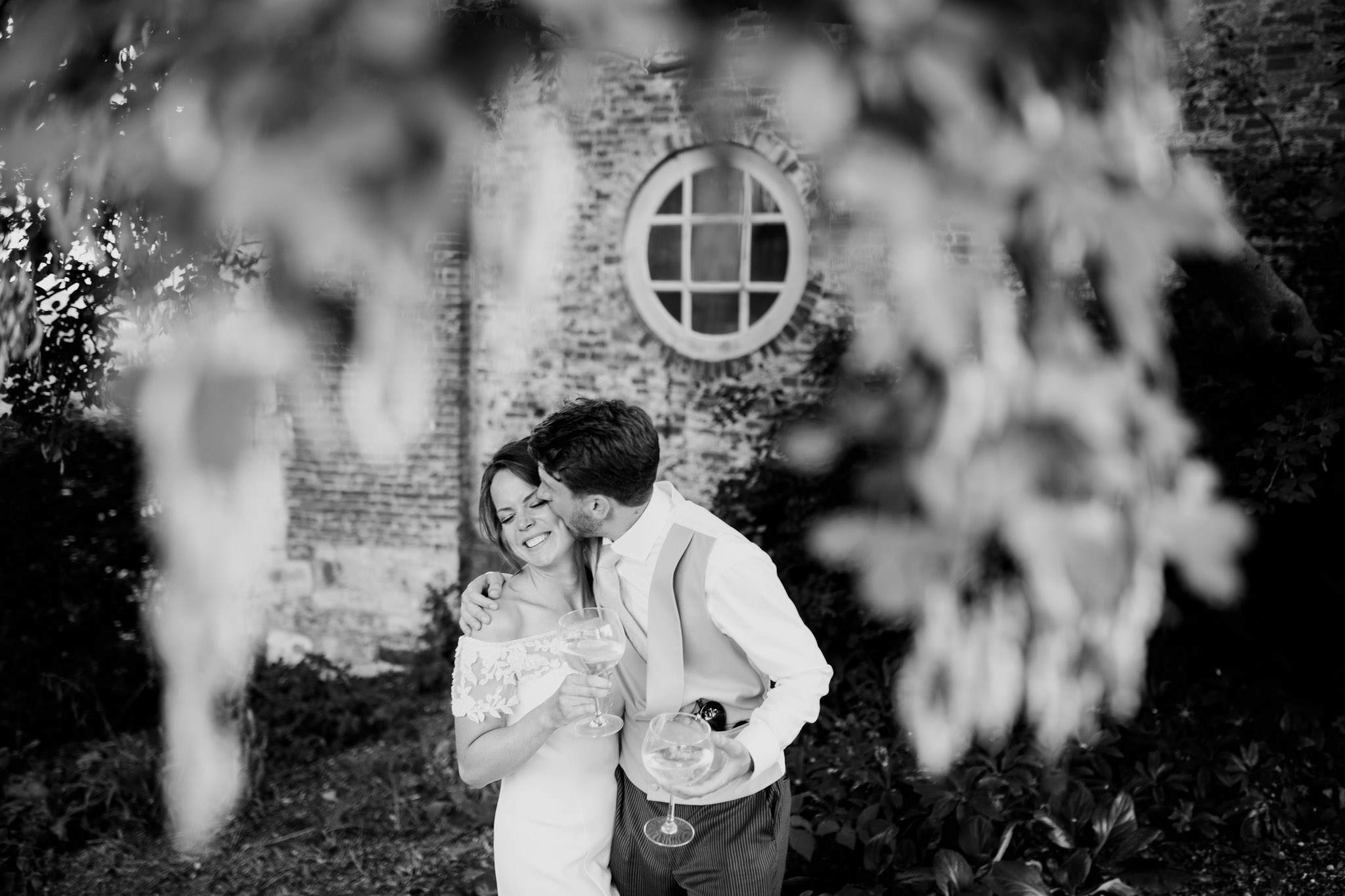 Farnham Castle Wedding Photographer 063.jpg