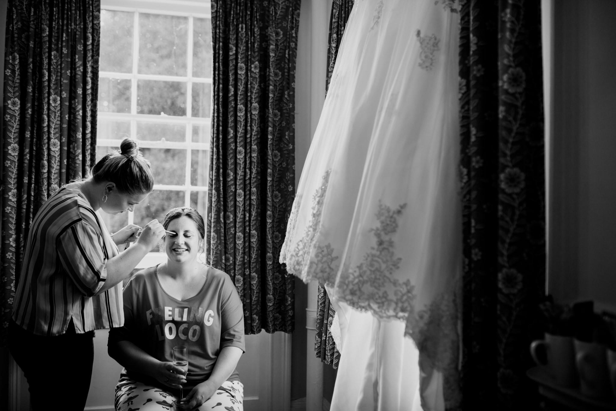 Wiltshire Wedding Photographer 004_.jpg