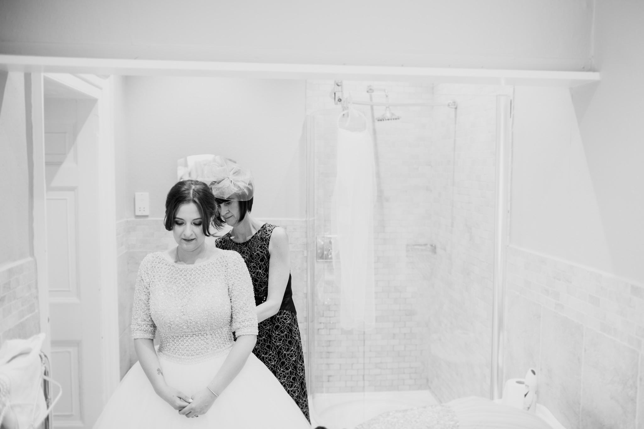 Langdon Court Hotel Wedding Photographer 008_.jpg