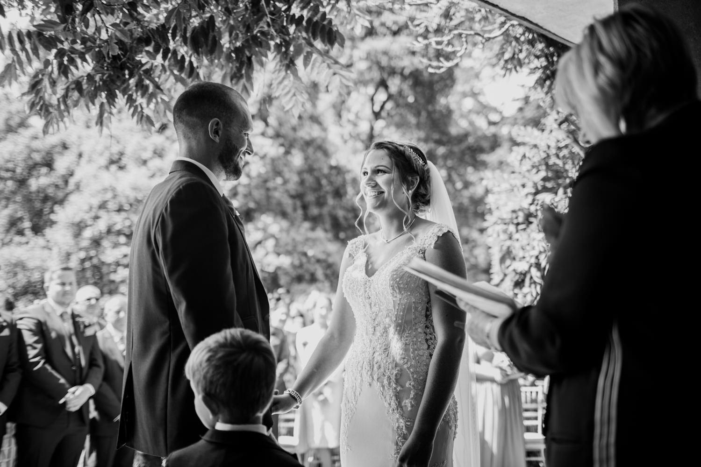 Dartington Hall Wedding Photographs 023_.jpg