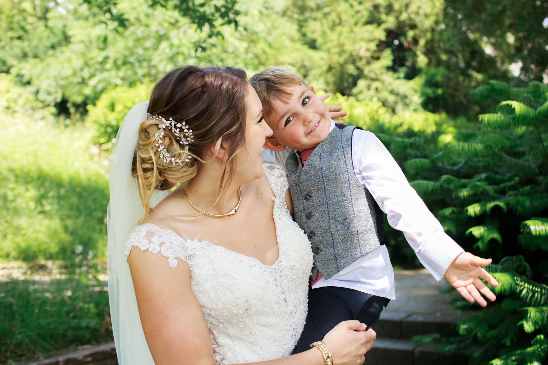 Dartington Hall Wedding Photographs 043_.jpg