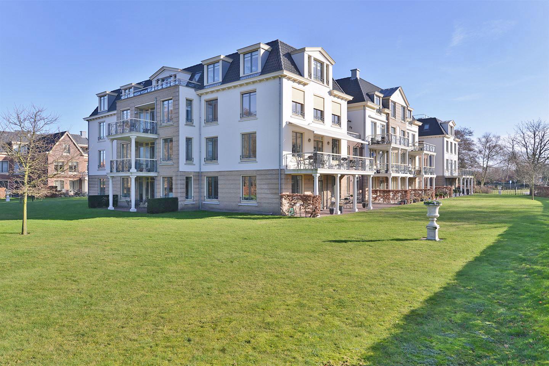 Appartementencomplex Kloosterendaele Burg Haamstede  34 appartementen met zorgfaciliteit in harmonische architectuur. Op het terrein van het gemeentehuis van de vml gemeente Westenschouwen.