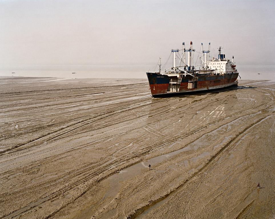 Shipbreaking #30  Chittagong, Bangladesh 2001