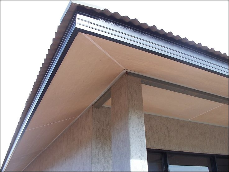 Sweep Eaves - To prevent spiders and wasps from creating new webs or nests on your house, we inspect and sweep the eaves on every service.