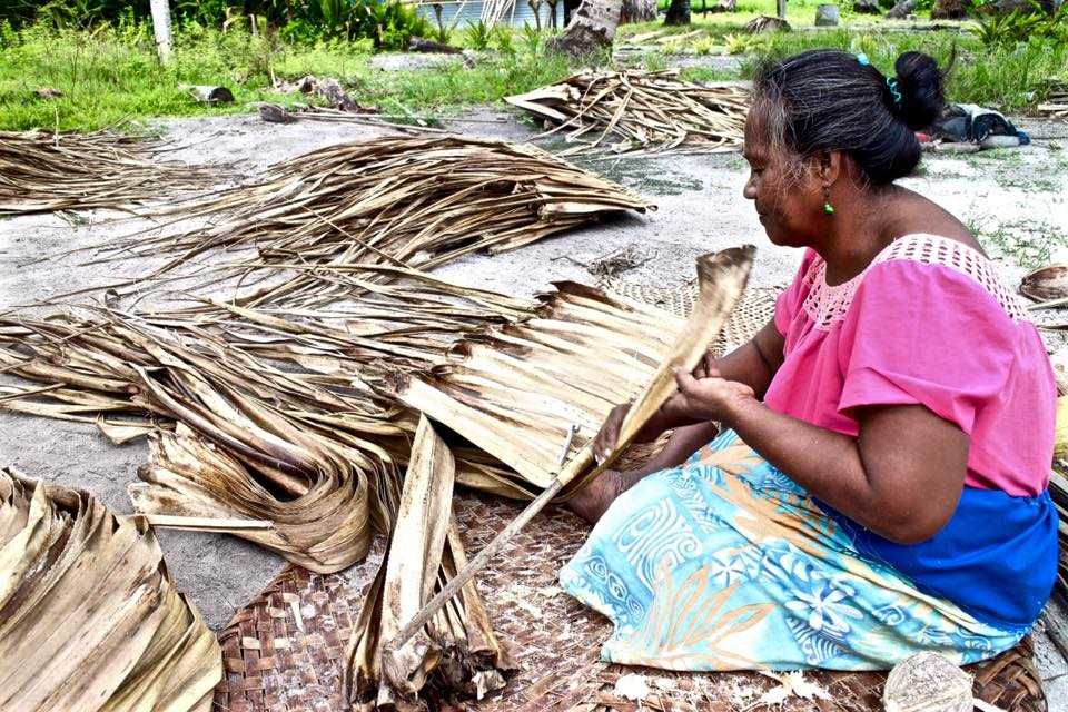 Unusual rainfall patterns make it harder for women to dry the leaves needed to make thatched roofing and mats in the outer islands of Kiribati.