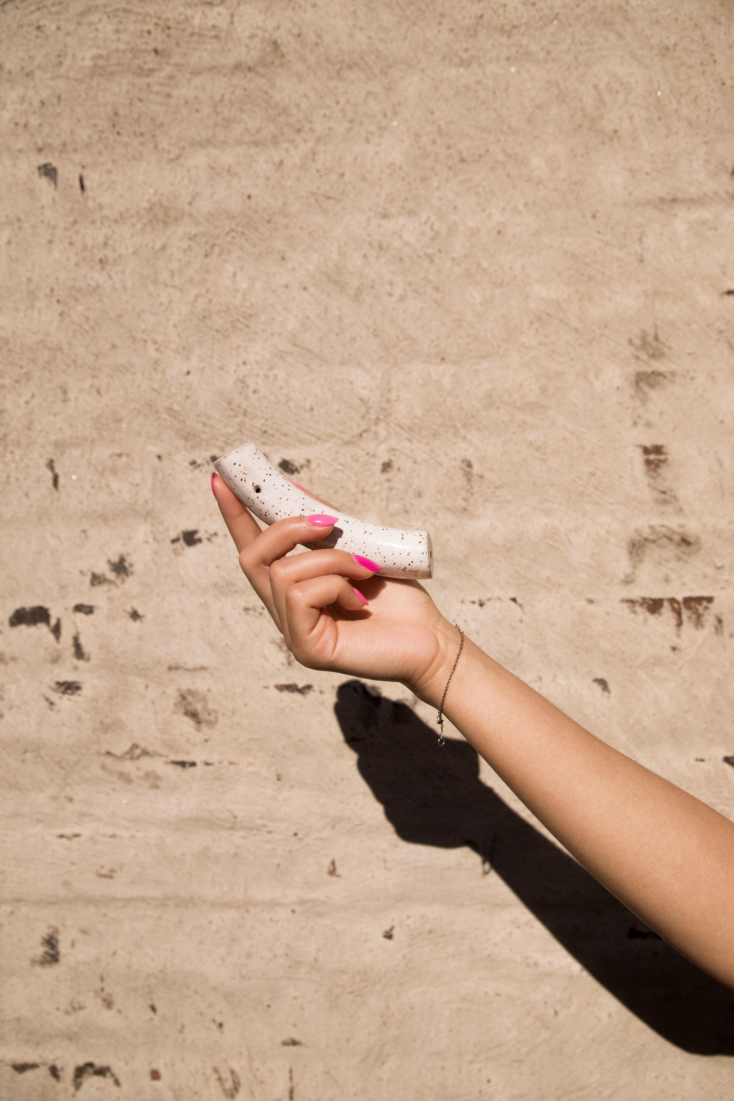 Handpipe_White.jpg