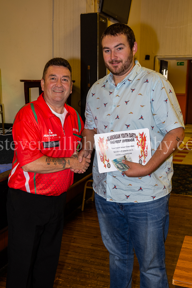 20190825Glamorgan Youth Darts Presentation8.jpg