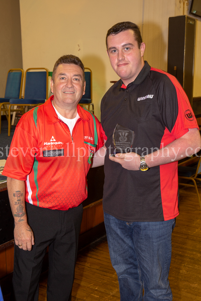 20190825Glamorgan Youth Darts Presentation25.jpg