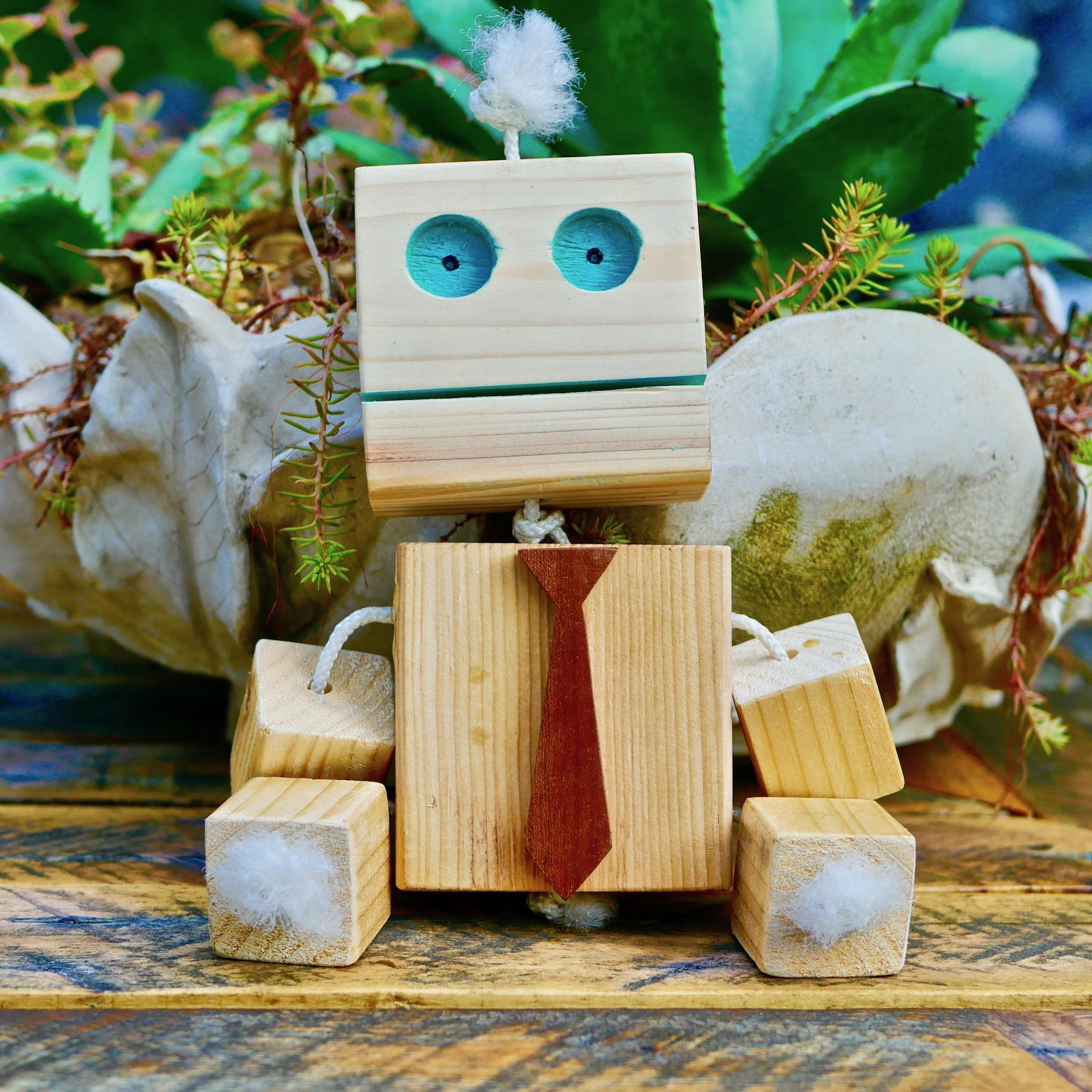 wooden-toy-robot-homemade-diy.jpg