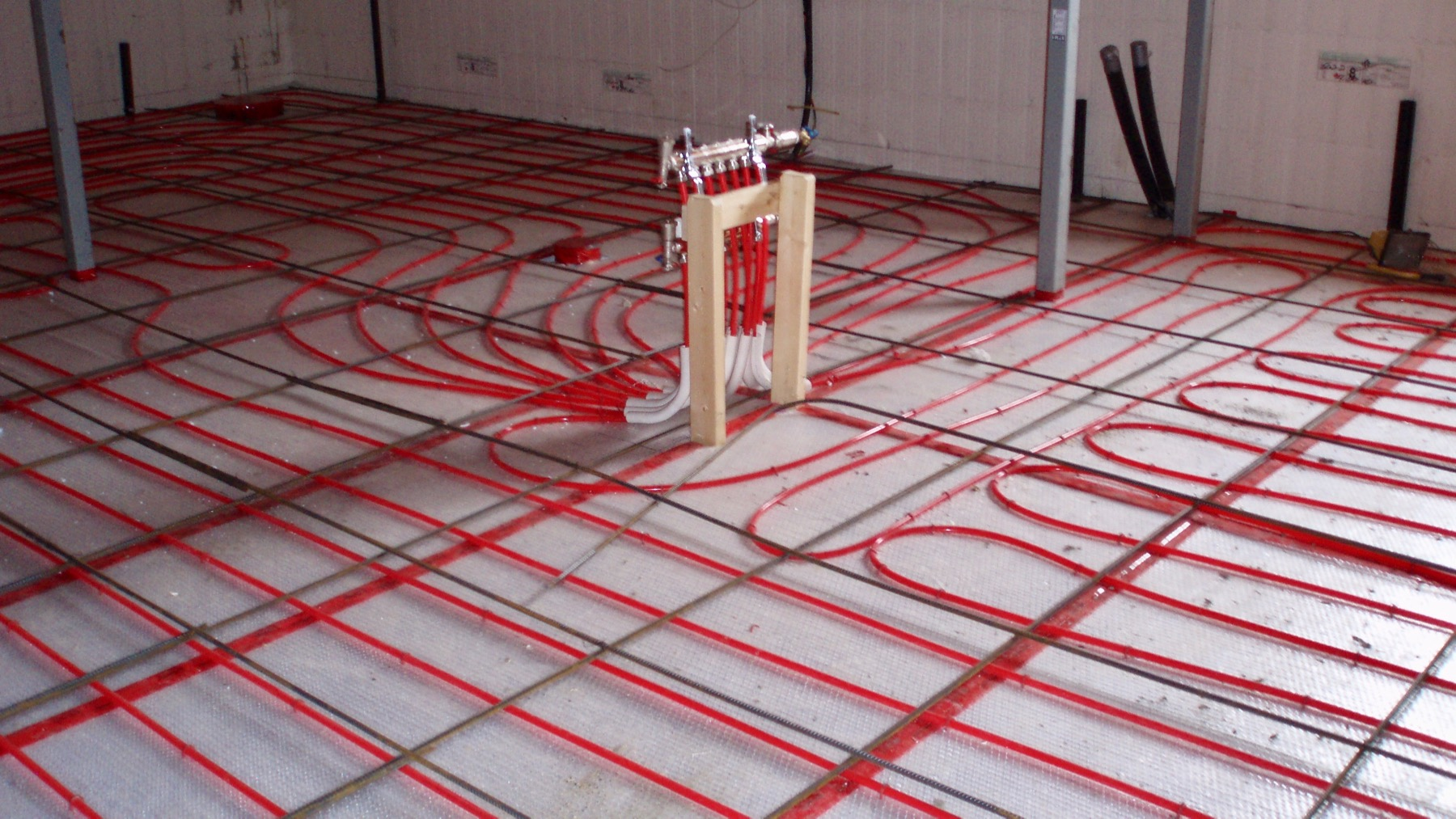 shop heating in floor radiant heating