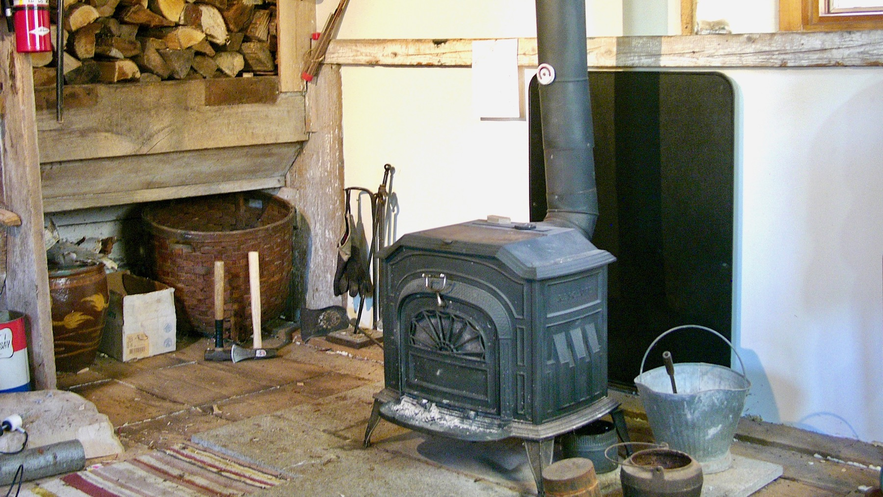 Shop Heating wood stove