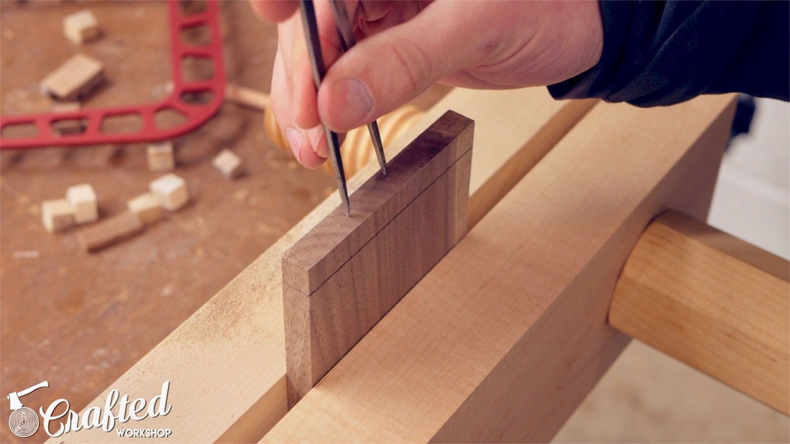 using a divider to lay out dovetails