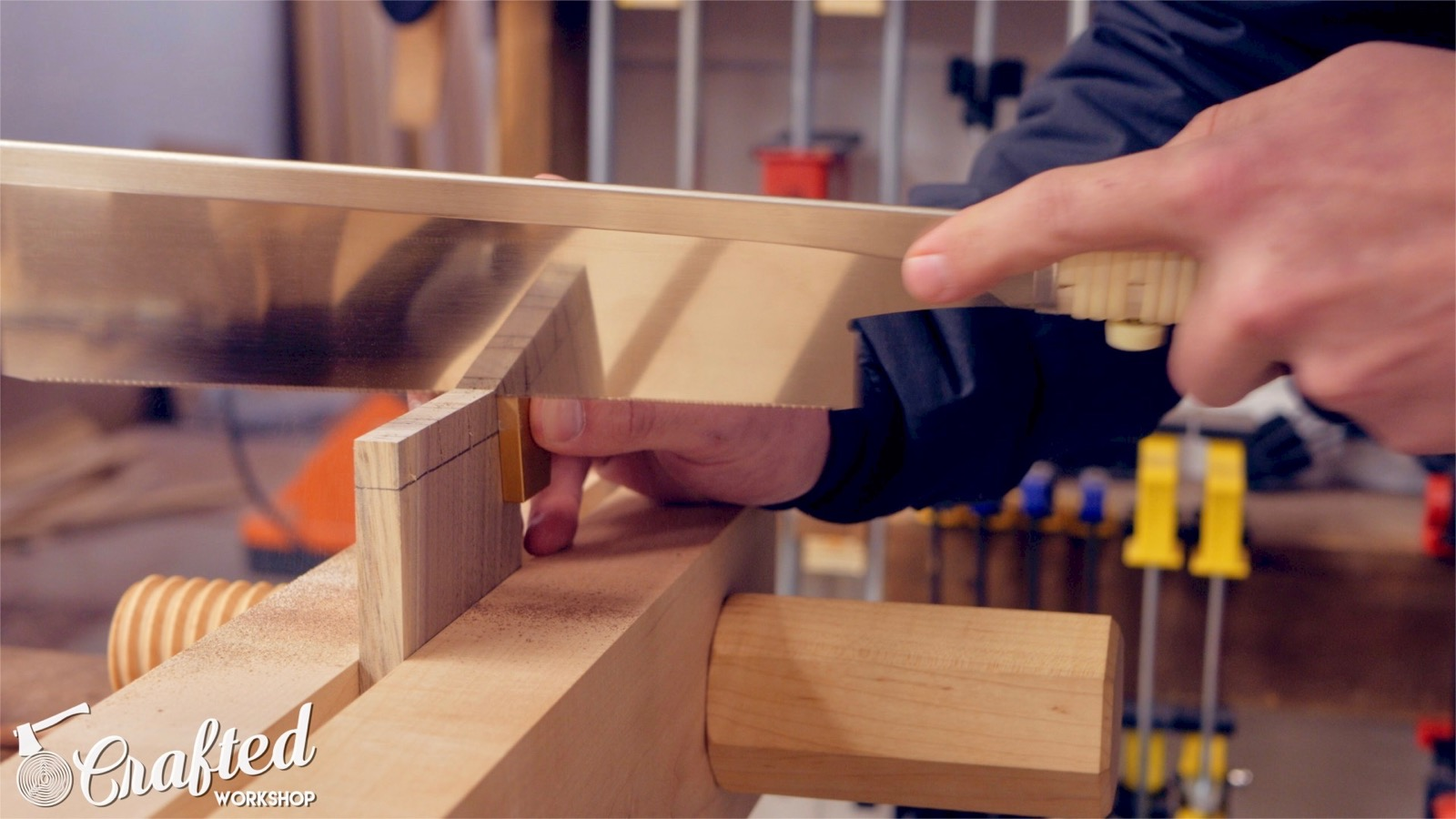 sawing hand cut dovetails using a Japanese pull saw and david barron dovetail guide
