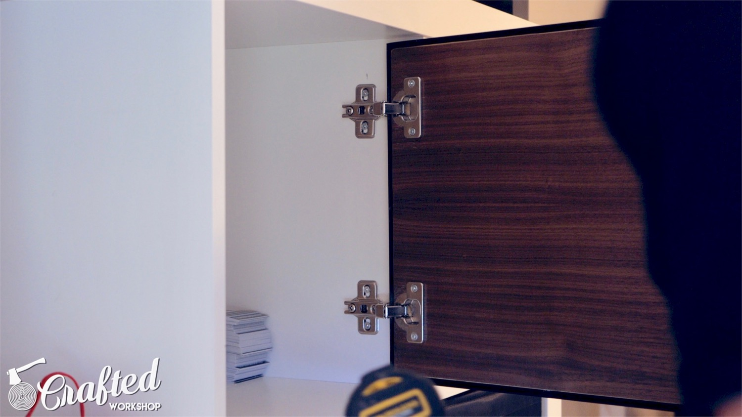 using inset cabinet hinges to attach door to ikea kallax or expedit