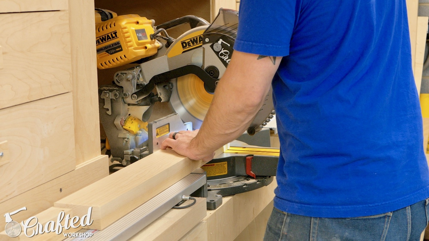 crosscutting hard maple on dewalt flexvolt miter saw