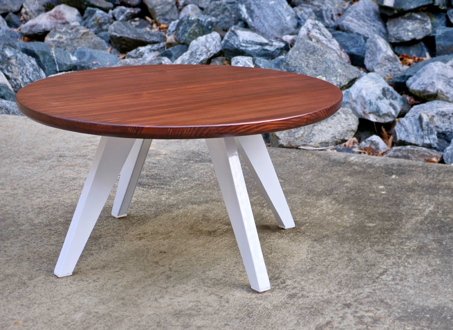 Picture of: How To Build A Modern Farmhouse Coffee Table With Steel Legs Crafted Workshop