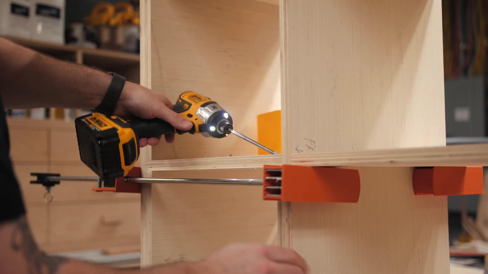 Inserting Pocket Screws