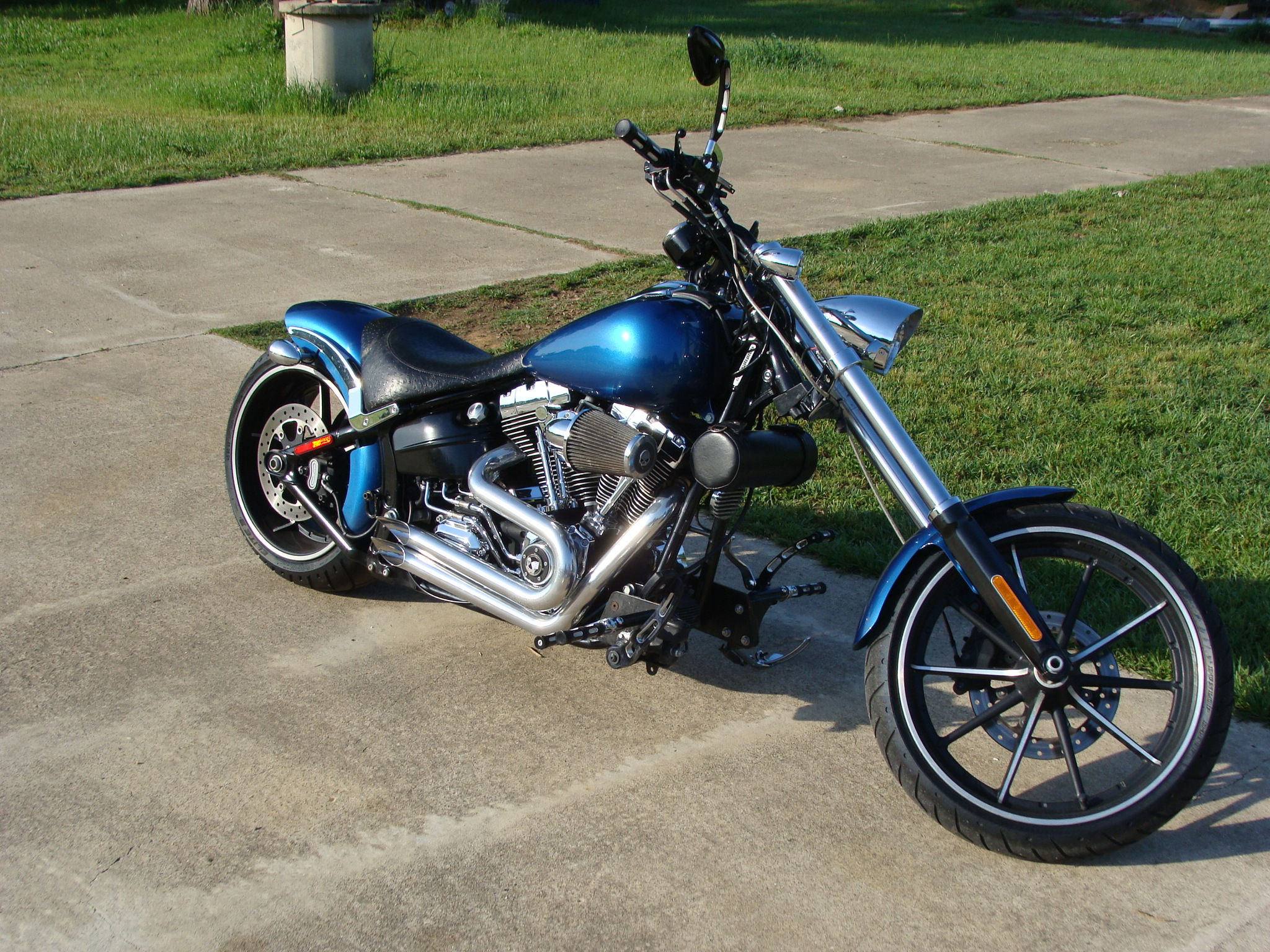 Bob's Harley Davidson Breakout