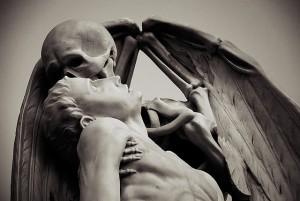 kiss of death poblenou barcelona 1