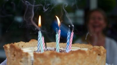 birthday-birthday-cake-blowing-137485.jpg