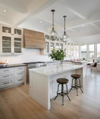 1c40612028eee3b3934a1a9b609119bb--cottage-kitchens-white-kitchens.jpg