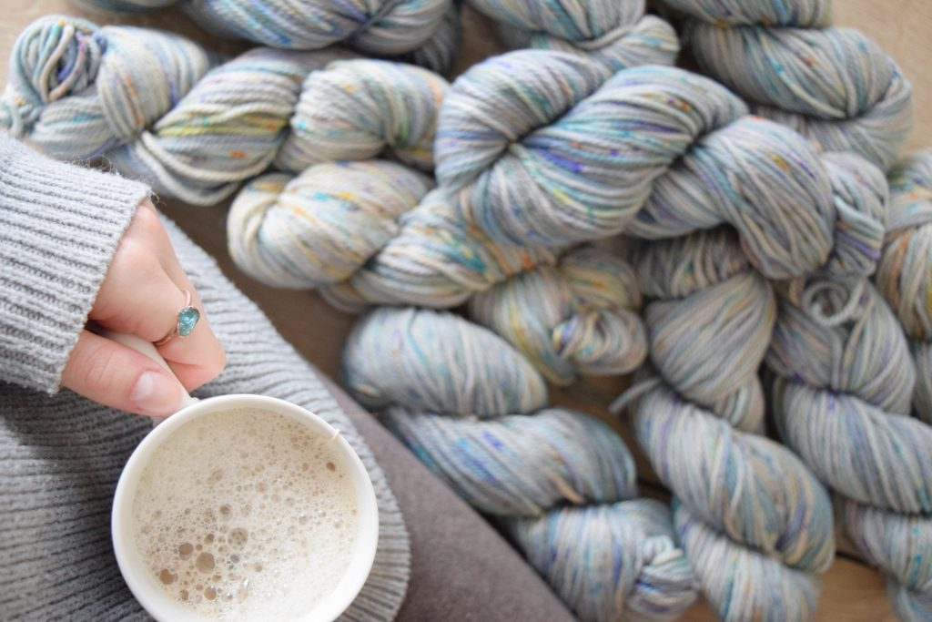 CHelsea FEAture: - We sent Colorado blogger,Knitting Wonders,some Chelsea to give it a test run.Here's what she made and what she thought of it.
