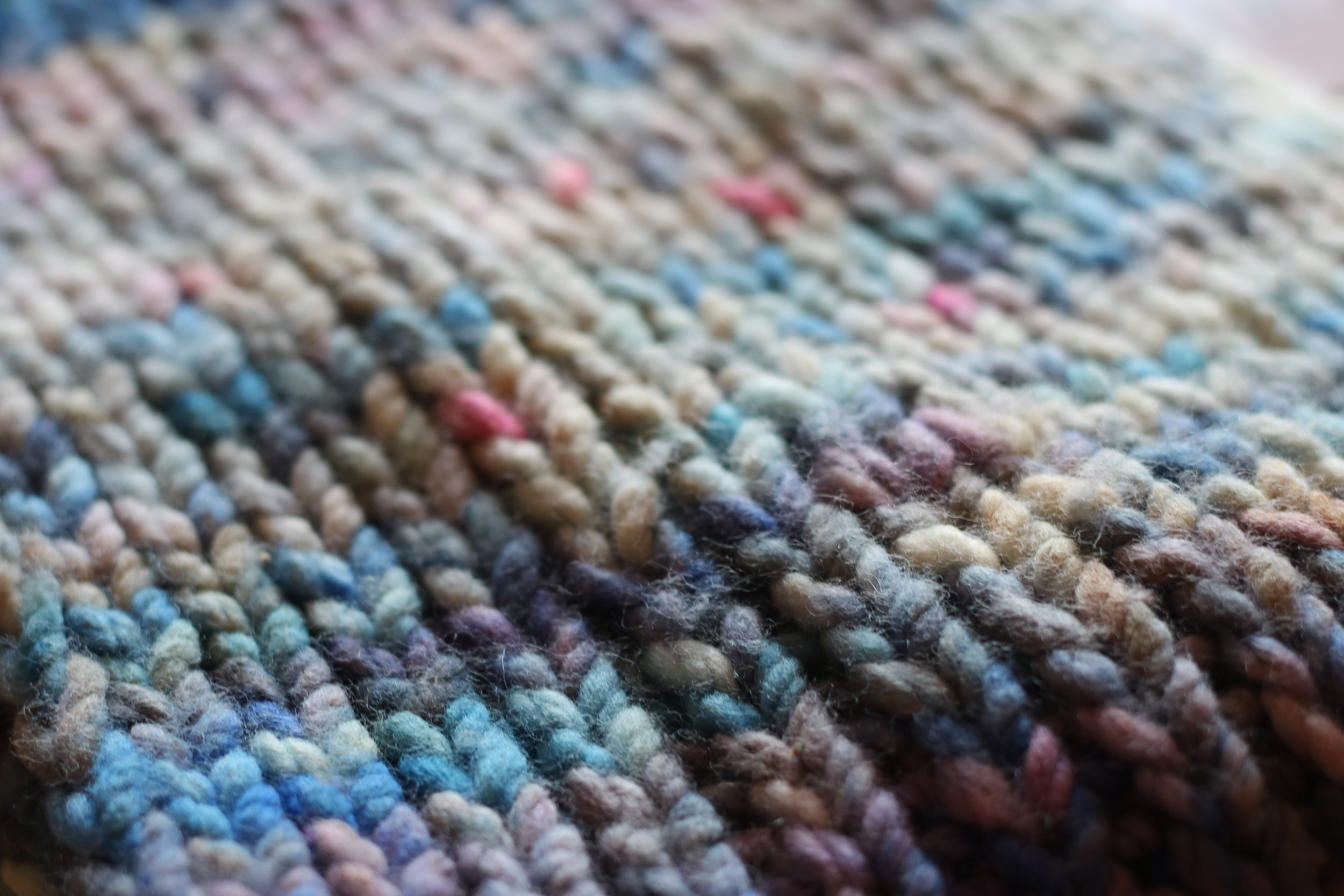 Quick Knit Cowl Kit - Featuring 2 skeins of Bulky, each a different colour.