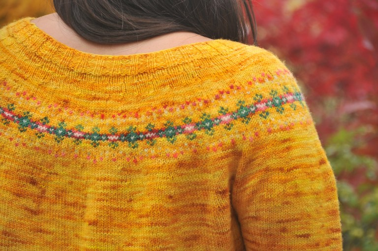 I finished knitting the Lyngen Sweater by Dianna Walla, which was published in Making No. 5 (Color). I used KPPPM in yellow, pink and white, and KPM in green. It was a pleasure to knit with, and this was my first ever knitted sweater!