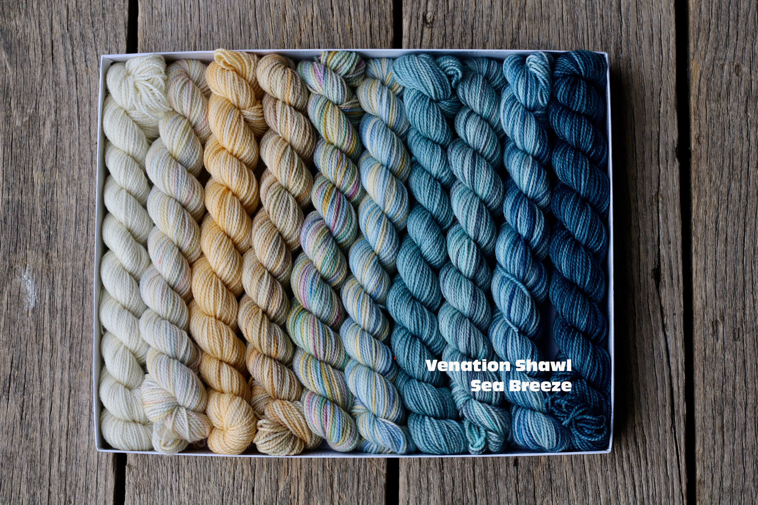 Pencil box venation shawl - Sea breeze.jpg