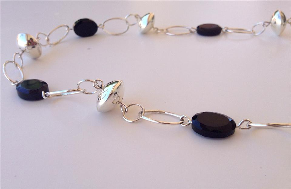 Silver Bead necklace with Oval Faceted Onyx, detail