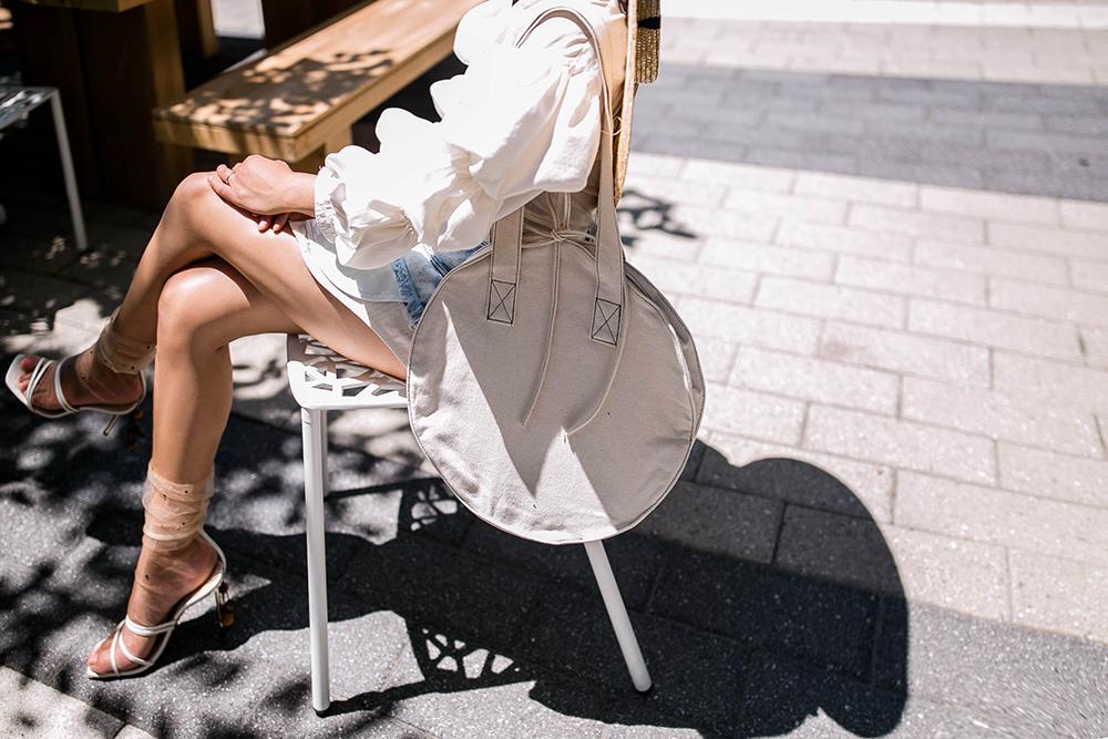 Jacquemus-sandals-2.jpg