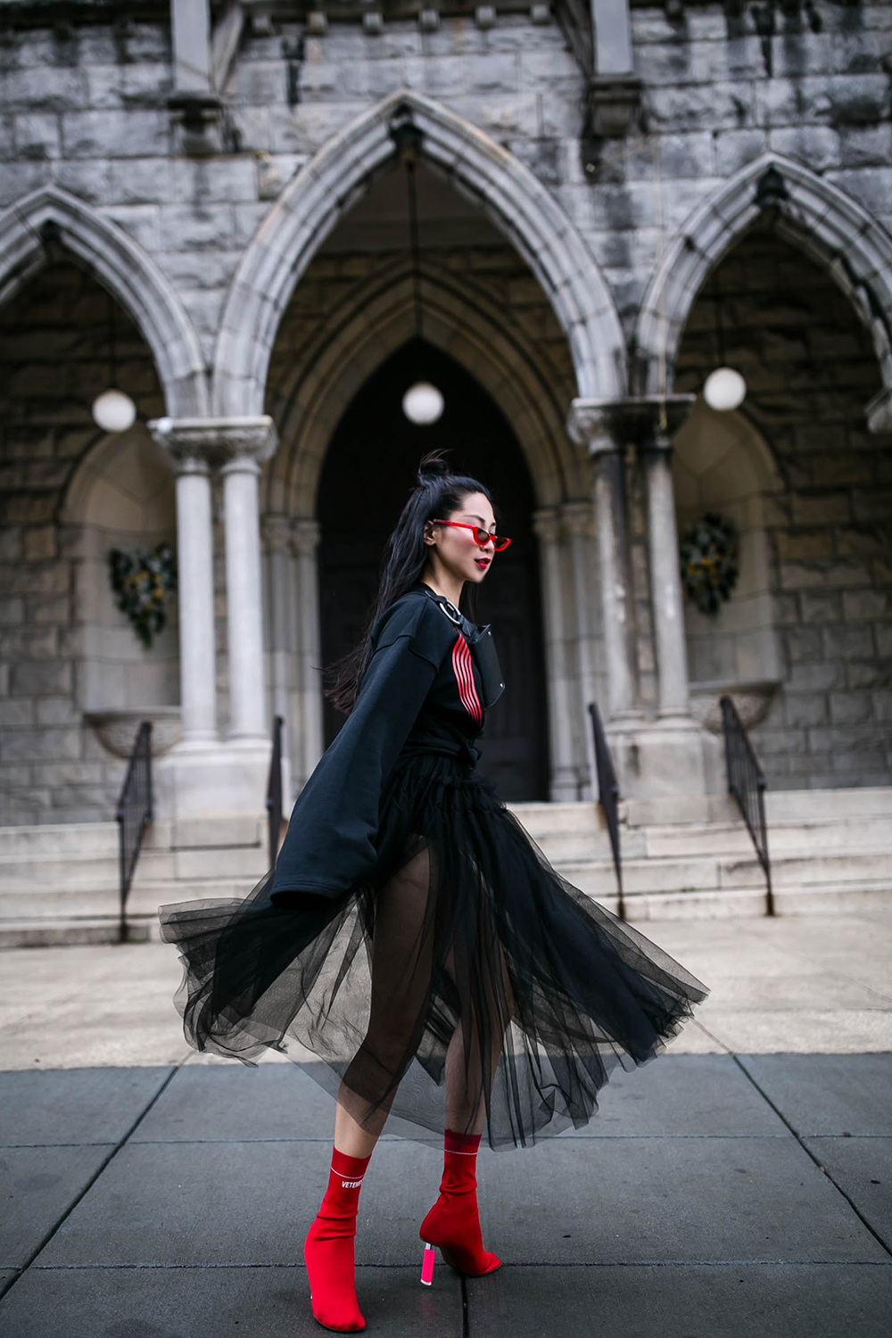 Gothic-chic-y-project-vetements-4.jpg