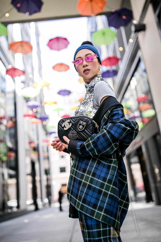 Chanel-brooch-adorned-bag-2.jpg