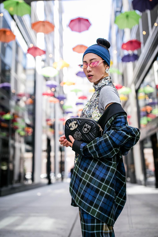 Chanel-brooch-adorned-bag-4.jpg